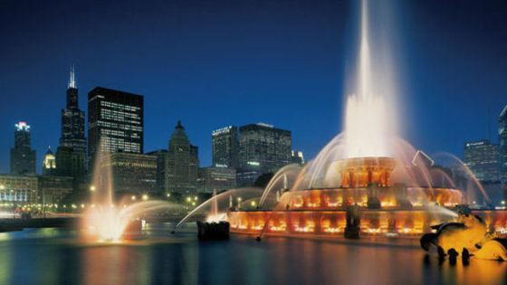 Fairmont-Chicago-exterior-night-fountain